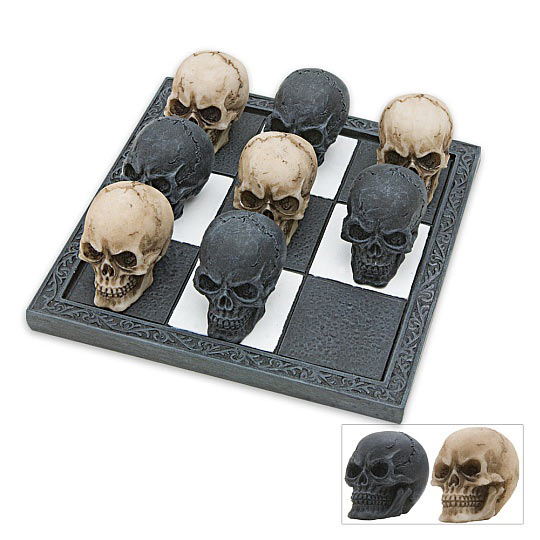 Dark Housewares - Skull Tic-Tac-Toe Set